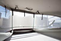 ポップアップテントは耐水性の優れる素材を使用。