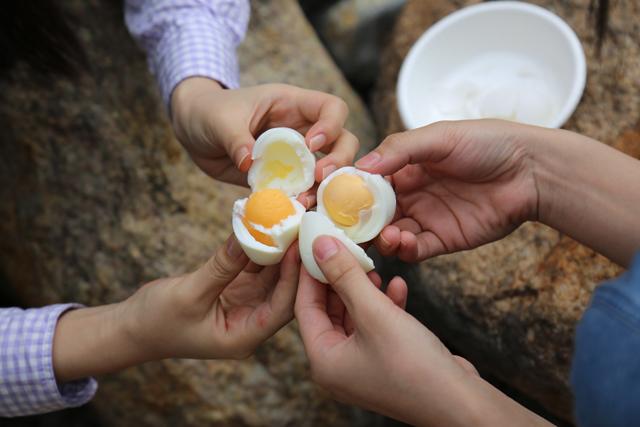 温泉ゆで卵、キレイにできました~!
