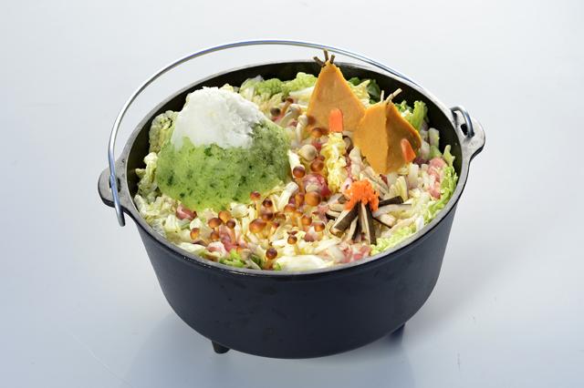 採れたての野菜で、鍋をデコレーションしよう!(撮影/田川哲也)