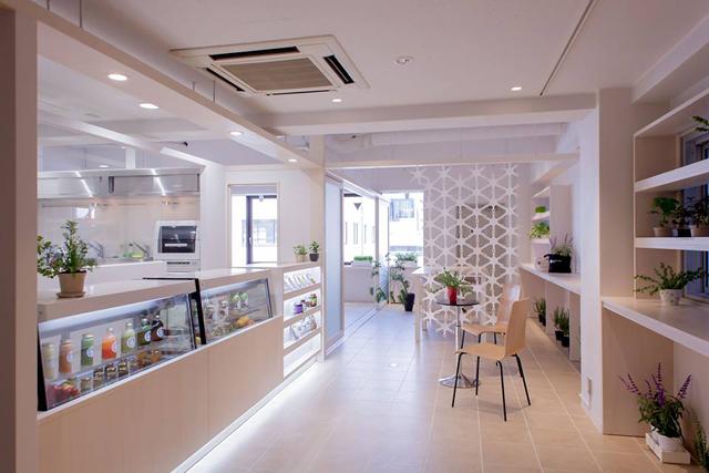 銀座の一等地でローフードを楽しめる『GINZAローライフカフェ』は今年5月開店。