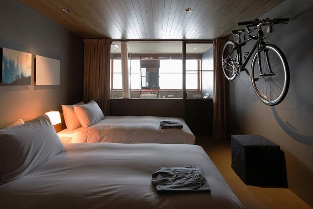 「HOTEL CYCLE」のツインルーム。