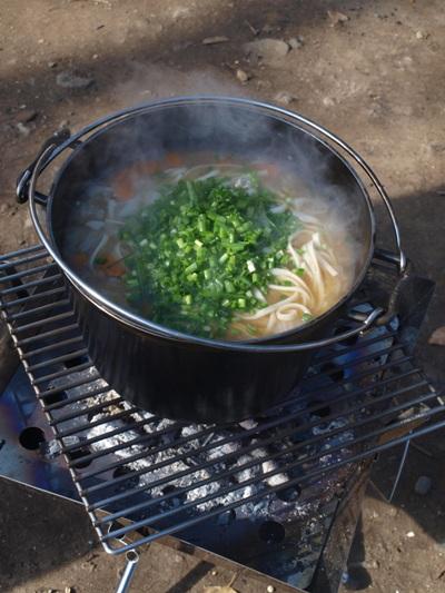 キャンプ料理のおすすめ13選!初心者に人気の簡単 …