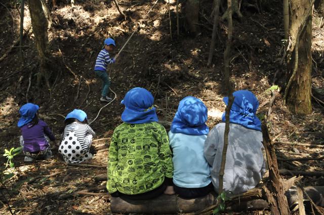 いつもは好き勝手に遊びたい衝動に駆られる子供達も、この日ばかりは経験者としてお友達にアドバイスを出しながら座って待つ子供を多く目撃した