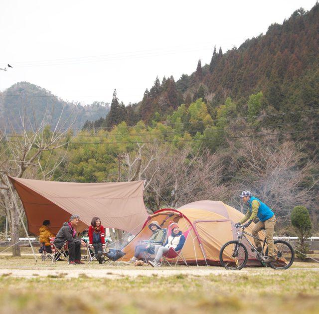 絶賛発売中!『ほんとうに気持ちいいキャンプ場100』に掲載した温泉&サウナ付きキャンプ場