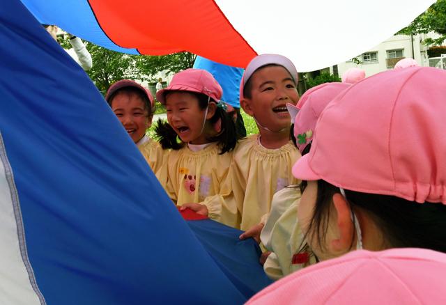 微風の状態は、この後の強風なんて考えていないのでまだまだ子供達には笑顔やおふざけがたくさんある
