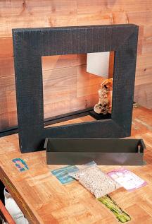 オーク材のフレームと貯水プラ ンター、培土、壁取り付け用の 石膏クギがセットになったマイギャラリーM(31,900~)。
