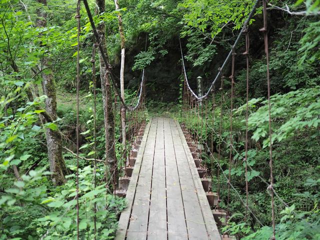 横川の吊橋。きちんと整備されています。