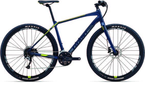 バイクパッキングを想定した自転車も発売されています。今回の旅で使用した「ジャイアント/タフロードSLR2」は、まさにそんな1台。ブロックタイヤやディスクブレーキなど、一見するとマウンテンバイクのようにも見えますが、フロントに衝撃を吸収するためのサスペンションは装着していません。舗装路を中心に走りつつも、その気になればちょっとしたダート走行も楽しめるというわけ。一般的なツーリング用自転車と大きく違うのは、走行性能の高さ。走破性と巡航性能に優れた29インチタイヤを採用するほか、軽量アルミフレームにより、車重はわずか11.3㎏です。価格は11万円。