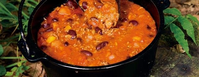アウトドア料理】ブラックポットが最高の肉料理を仕上げてくれる! ~後編~|BE-PAL