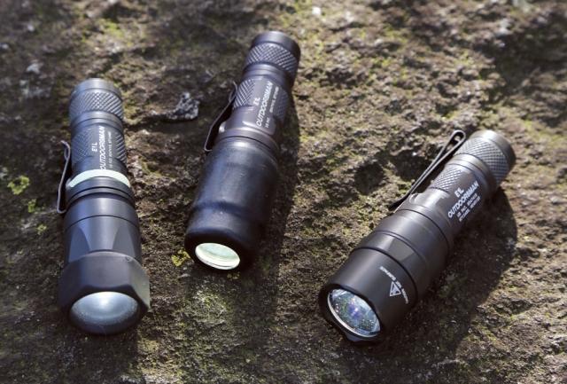 シュアファイア/E1L アウ トドアズマン LEDフラッシュ ライト(左から初期モデル、2代目、 ニューモデル¥41,472)。