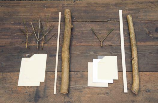 枠用の丸太(丸太は好みの太さ。仕上がりサイ ズが幅32×高さ25㎝の場合、長野さんは直径 6×60㎝を用意)。桟さん用の角材、支柱用の枝、 板材、厚紙、アクリル板。枝タイプは板材と厚 紙の代わりに枝数本、アクリル板は2枚用意。