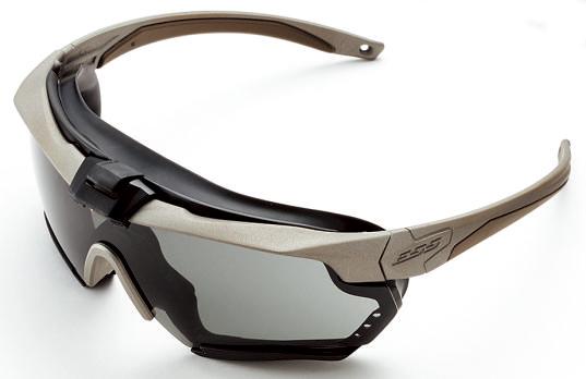 ガスケットを付けるとこん な感じ。正面から見ると普通 のサングラスにしか見えない。