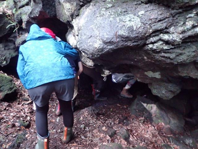 溶岩洞窟探検 (5)