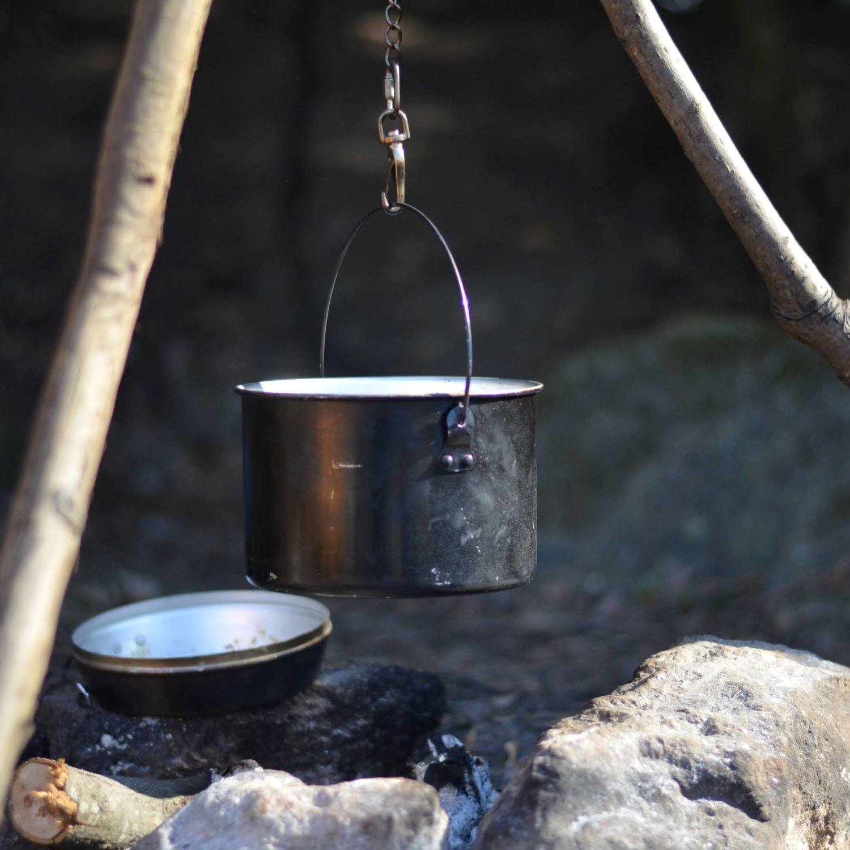 焚火での調理に最適なクッカー!DUGの焚火缶が魅力的な5つの理由|BE-PAL